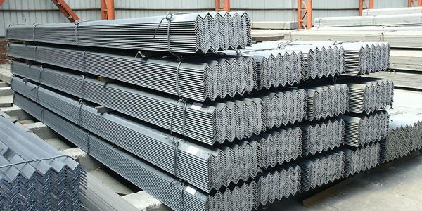 如何帮助钢铁企业脱困?