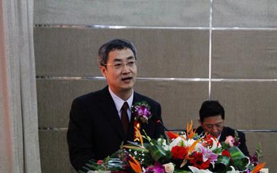 国家板带中心杨荃教授参加中国工程院重点咨询项目